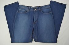 Haggar Relaxed Fit Tapered Leg Denim Blue Jeans size 34 X 31 (Actual 34 X 32)