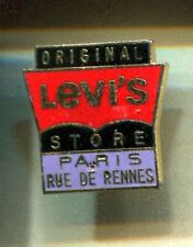 RARE PINS PIN'S .. MODE FASHION JEANS LEVI STRAUSS LEVIS LEVI'S RENNES PARIS ~CV