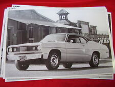 1972  PLYMOUTH DUSTER  11 X 17  PHOTO /  PICTURE