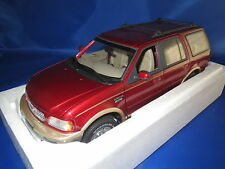 UT Models  22711 Ford Expedition Eddie Bauer Version  (rot-metallic) 1:18  OVP