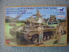 Bronco 1/35 M24 Chaffee light tank (early production) with US ETO Tankers