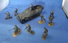 21 CENTURY ULTIMATE SOLDIER 1:32 WWII GERMAN SdKfz HALFTRACK w/ 12 Soldiers Lot
