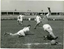 PHOTO Stade Gerland LYON match de foot FOOTBALL joueurs en action circa 1950