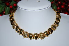WONDERFUL VINTAGE MONET GOLD TONED METAL CHUNKY LINKS STATEMENT RUNWAY NECKLACE