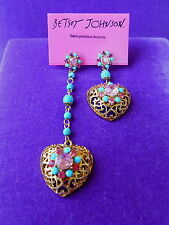 Betsey Johnson Authentic NWT Gold-Tone Filigree Heart Mismatch Drop Earrings