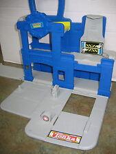 TONKA CHUCK'S GARAGE PLAYSET  2008 HASBRO Playskool