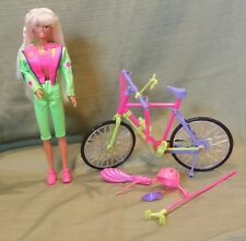 Bicyclin Barbie Vintage 1993 #11689 With Your Help She Really Peddles Her Bike!