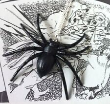 VINTAGE HALLOWEEN GOTH HIPSTER LARGE BLACK WIDOW SPIDER NECKLACE