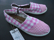 BNWT Older Girls/Ladies Sz 10 Rivers Doghouse Brand Pink/Checked Canvas Shoes