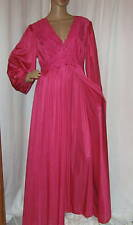 (SET)  VTG SHADOWLINE MAGENTA FULL SWEEP STRETCH LACE 2 PC GOWN & ROBE SET LARGE