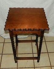 Quartersawn Oak Barley Twist Lamp Table / Side Table  (T56)
