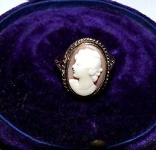 VINTAGE / ANTIQUE 9CT GOLD RING WITH LARGE CARVED SHELL CAMEO. RING SIZE O.