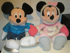 "DISNEY STORE 18"" 2011 MICKEY & 18"" DISNEY WORLD MINNIE MOUSE WINTER SOFT TOYS"