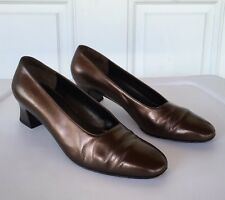 Salvatore Ferragamo Women's Sz 7.5 B Brown Copper Low Heels Shoes