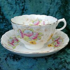 Vintage royal albert crown china tea cup saucer floral plissé or jante 1900s
