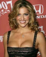 Tricia Helfer / Battlestar Galactica 8 x 10 / 8x10 GLOSSY Photo Picture