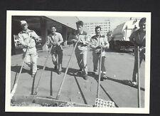 LYON (69) Nettoyage du Marché Place du 8 MAI 1945 , QUARTIER DES ETATS-UNIS
