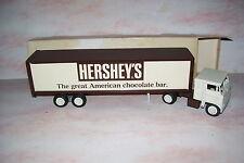 1975 Hershey's Chocolate Bar Diecast Creme Winross Trailer Truck