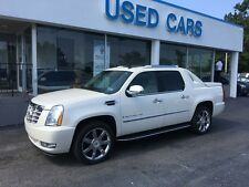 Cadillac: Escalade Base Crew Cab Pickup 4-Door