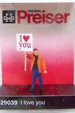 HO Preiser 29039 Man Holding I LOVE YOU Sign : 1/87 scale Individual Figure