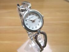 BRAND NEW LADIES HENLEY WATCH ROUND SILVER DIAL STAINLESS STEEL BRACELET