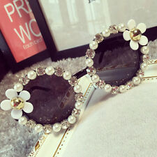 Women Fashion Designer Flower Pearl Outdoor Eyewear Eye Glasses Sunglasses EW