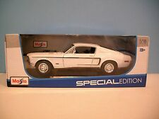 New MIB 1:18 Scale Maisto White 1968 Ford Mustang GT Cobra Jet Die-cast Car