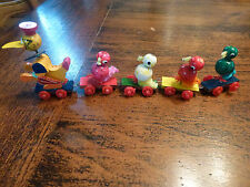 VINTAGE SMALL DUCK FAMILY LINKED TOGETHER PULL TOY JAPAN  EXCELLENT