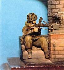 1/35th WWII British Para Kneeling with Bren Wee Friends WF35025 unpainted kit