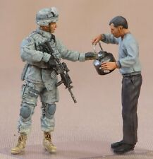 "NATO in Miniatures 1/35 #USA-016 U.S. Army Sergeant and Iraq man ""Coffee"""
