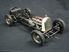 Pocher Alfa Romeo 8C Spider Touring 1932 Chasis 1:8 Beige / Blue (Built Kit)