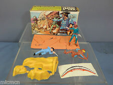 "VINTAGE BRITAIN'S MODEL No.1061   "" COWBOYS & INDIANS"" MINI SET       VN  MIB"