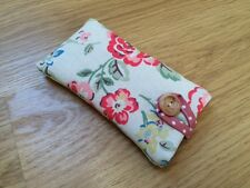 iPod Nano 7th / 8th Generation Padded Case - Cath Kidston Rainbow Rose Fabric
