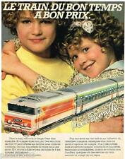 PUBLICITE ADVERTISING 105  1983  SNCF   le train prix famille
