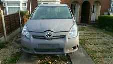 Toyota Corolla Verso 2004-2009 2.2 D-CAT Breaking For Spares