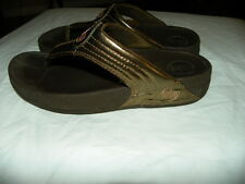 FITFLOP FIT FLOP Bronze Gold Brown Thong Sandals Flip Flops Shoes Sz 6 M