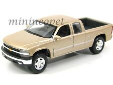 MAISTO 31941 CHEVROLET SILVERADO 1500 PICK UP TRUCK 1/27 DIECAST GOLD