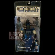 TEAM FORTRESS 2 Blue DEMOMAN Deluxe Action Figure NECA with Game Code Videogame!