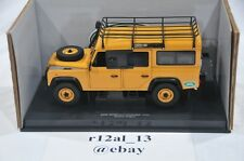 Universal Hobbies 1:18 Land Rover Defender 110 Expedition Version 1995 UH3884