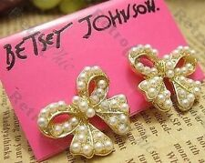 RETRO pearl PEARLY BOW bows STUD EARRINGS cream&gold tone metal VINTAGE CHIC 60s