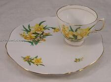 Beautiful Royal Vale bone china hostess set with daffodils