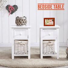Set di 2 in legno shabby chic bianco da comodino tabelle unità CASSETTI W / vimini Storage