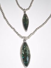 NWOT UNO DE 50  NECKLACE HAND CRAFTED in SPAIN w. 2 LARGE SWAROVSKI GREEN STONES