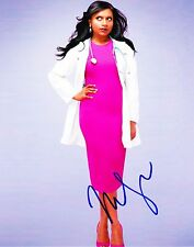 MINDY KALING SIGNED 8X10 PHOTO AUTHENTIC AUTOGRAPH THE OFFICE THE MINDY PROJECT