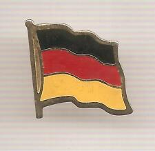 Pin's pin DRAPEAU FLAG ALLEMAGNE (ref H40)