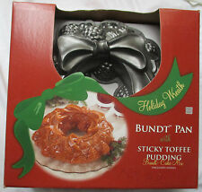 NORDIC WARE HEAVY CAST HOLIDAY WREATH CAKE MOLD BUNDT PAN W/MIX - NEW IN BOX