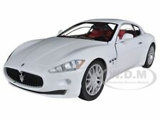 MASERATI GRAN TURISMO WHITE 1/24 DIECAST CAR MODEL BY MOTORMAX 73361