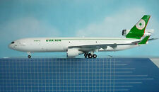 Hogan Wings 1:200 MD-11 EVA AIR CARGO LI4203G + Herpa Wings Katalog