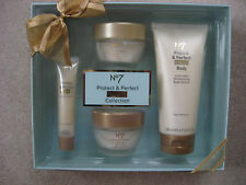 NEW BOOTS No7 PROTECT & PERFECT INTENSE COLL GIFT SET DAY NIGHT CREAM SERUM