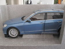 1:18 MINICHAMPS MERCEDES BENZ E CLASS ESTATE - DEALER EDITION